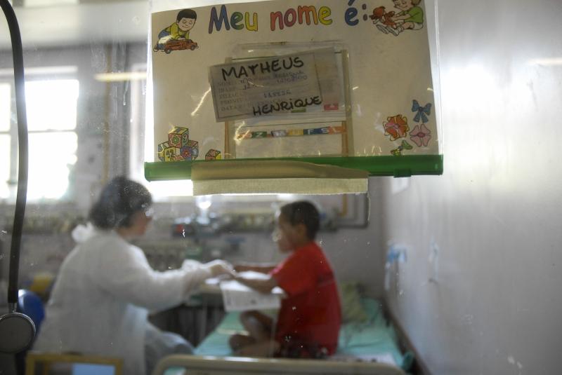 Rio de Janeiro - A Secretaria Estadual de Educação diz que 3.564 alunos com deficiência ou doenças crônicas foram inscritos na rede estadual de ensino no primeiro semestre de 2012. Foto de Tânia Rêgo / ABr