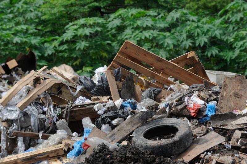 Rio de Janeiro, 02/04/2012, Operação no Rio fecha lixão clandestino que enterrava resíduos em manguezal