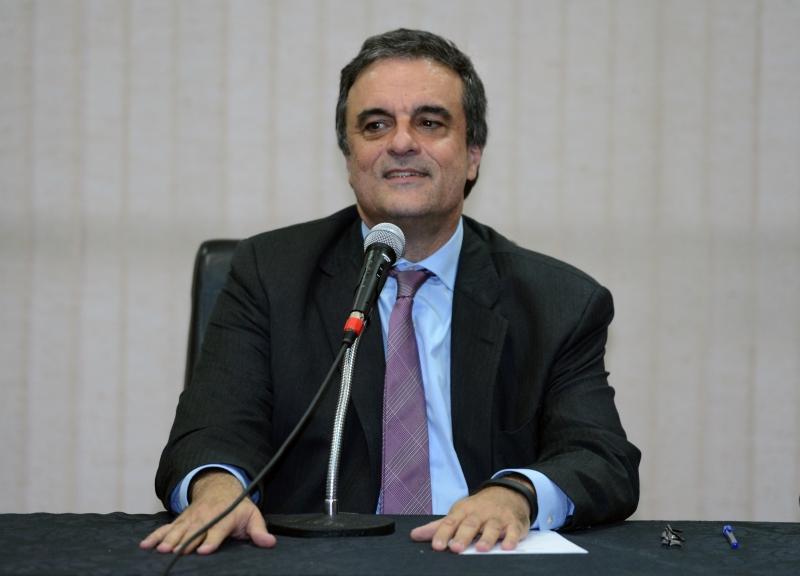 Brasília, 13/06/2013 – O ministro da Justiça, José Eduardo Cardozo, e parlamentares da Comissão de Integração Nacional da Câmara debatem a demarcação de terras indígenas no Brasil