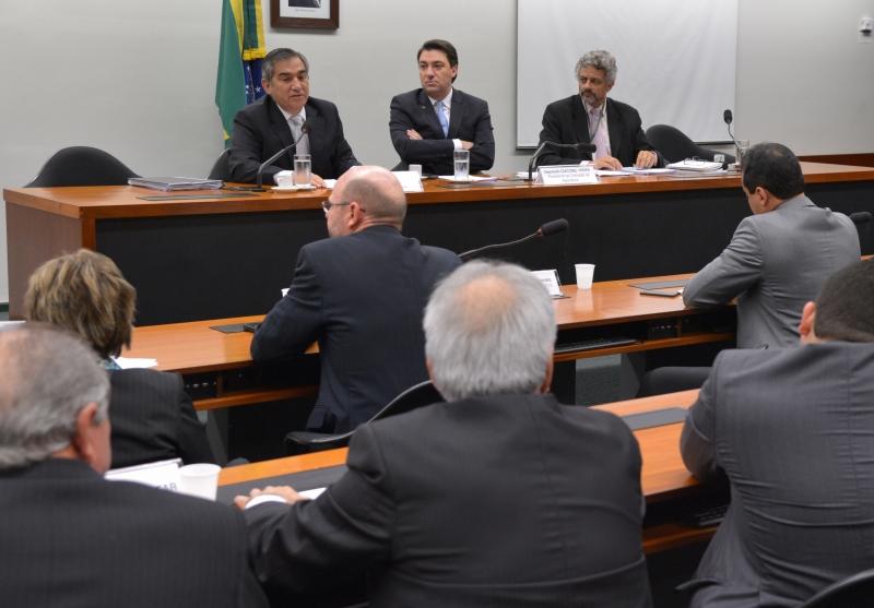Brasília, 26/06/2013 - O ministro da Secretaria-Geral da Presidência da República, Gilberto Carvalho, participa de audiência pública na Comissão de Agricultura da Câmara dos Deputados. Foto de Wilson Dias/ABr