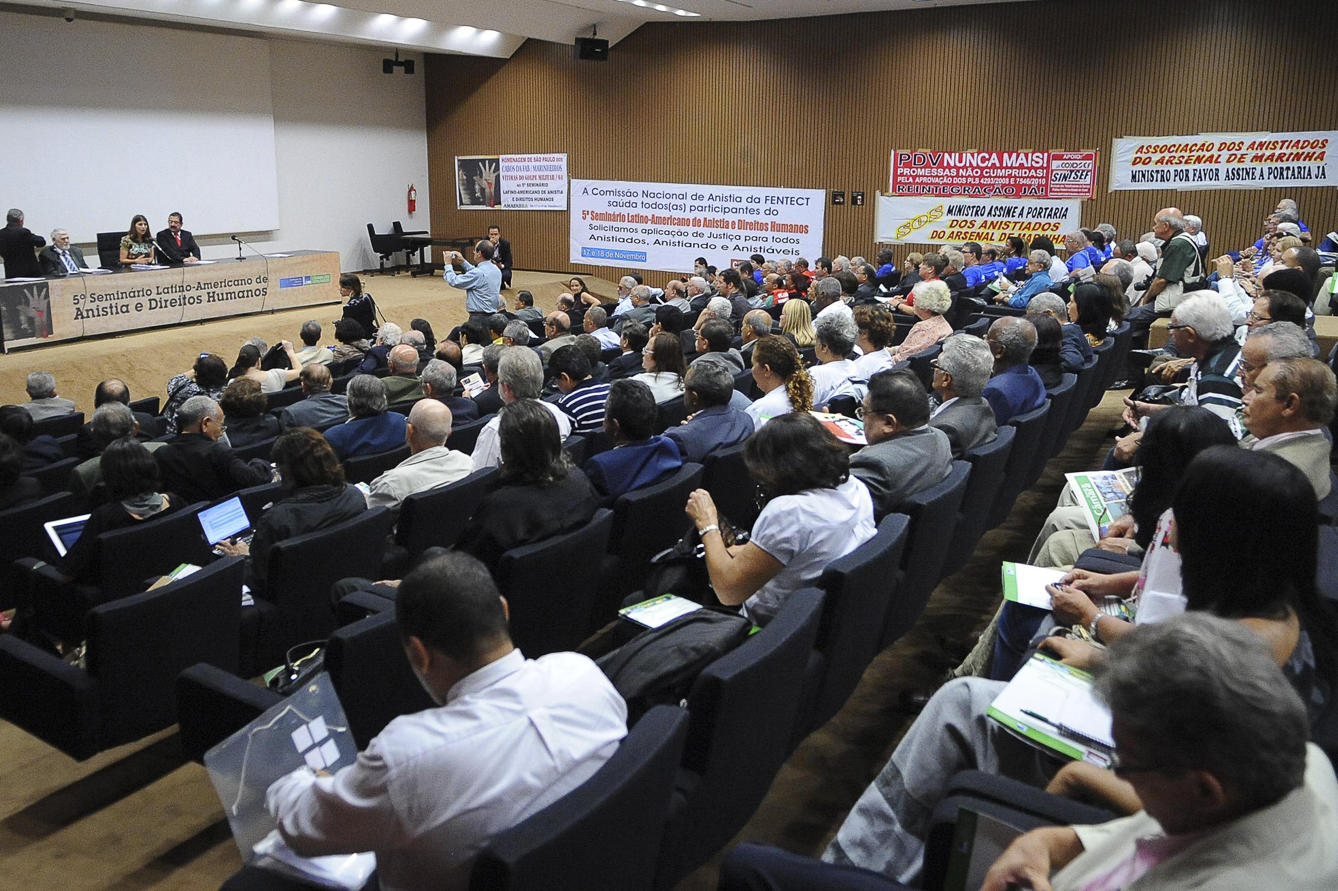 http://agenciabrasil.ebc.com.br/sites/_agenciabrasil/files/gallery_assist/27/gallery_assist681313/Agencia%20Brasil181011WDO_3613A.JPG