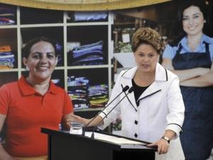 Dilma sanciona ampliação do Simples Nacional e diz que é preciso sobriedade diante da crise econômica