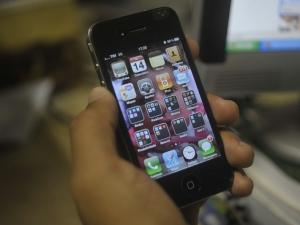 Governo deve diminuir impostos e taxas de celulares tipo smartphones até R$ 1,5 mil