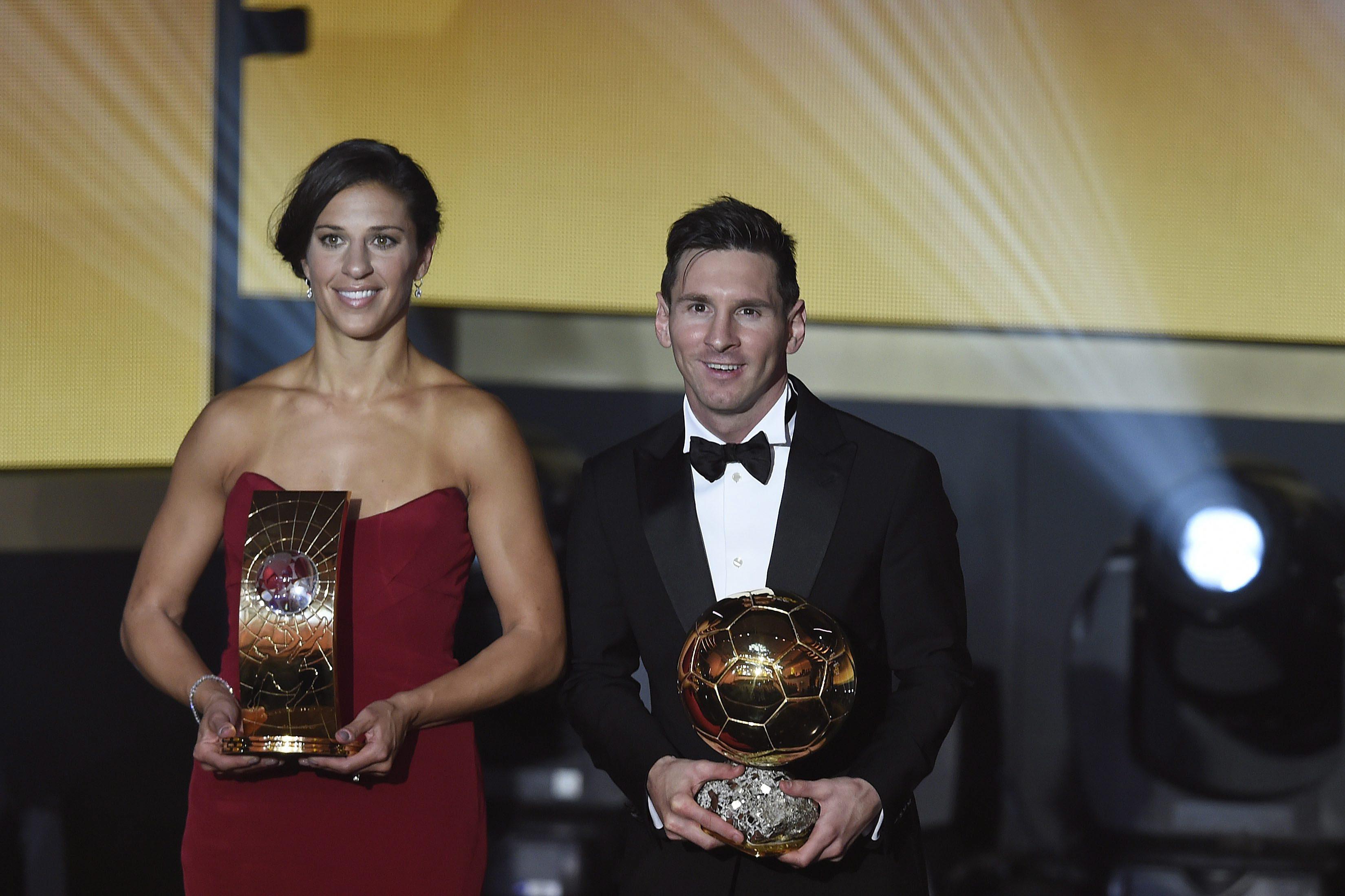 936e24f019 O argentino Lionel Messi e a norte-americana Carli Lloyd foram os  vencedores da Bola de Ouro de 2015EPA Valeriano di Domenico Agência Lusa