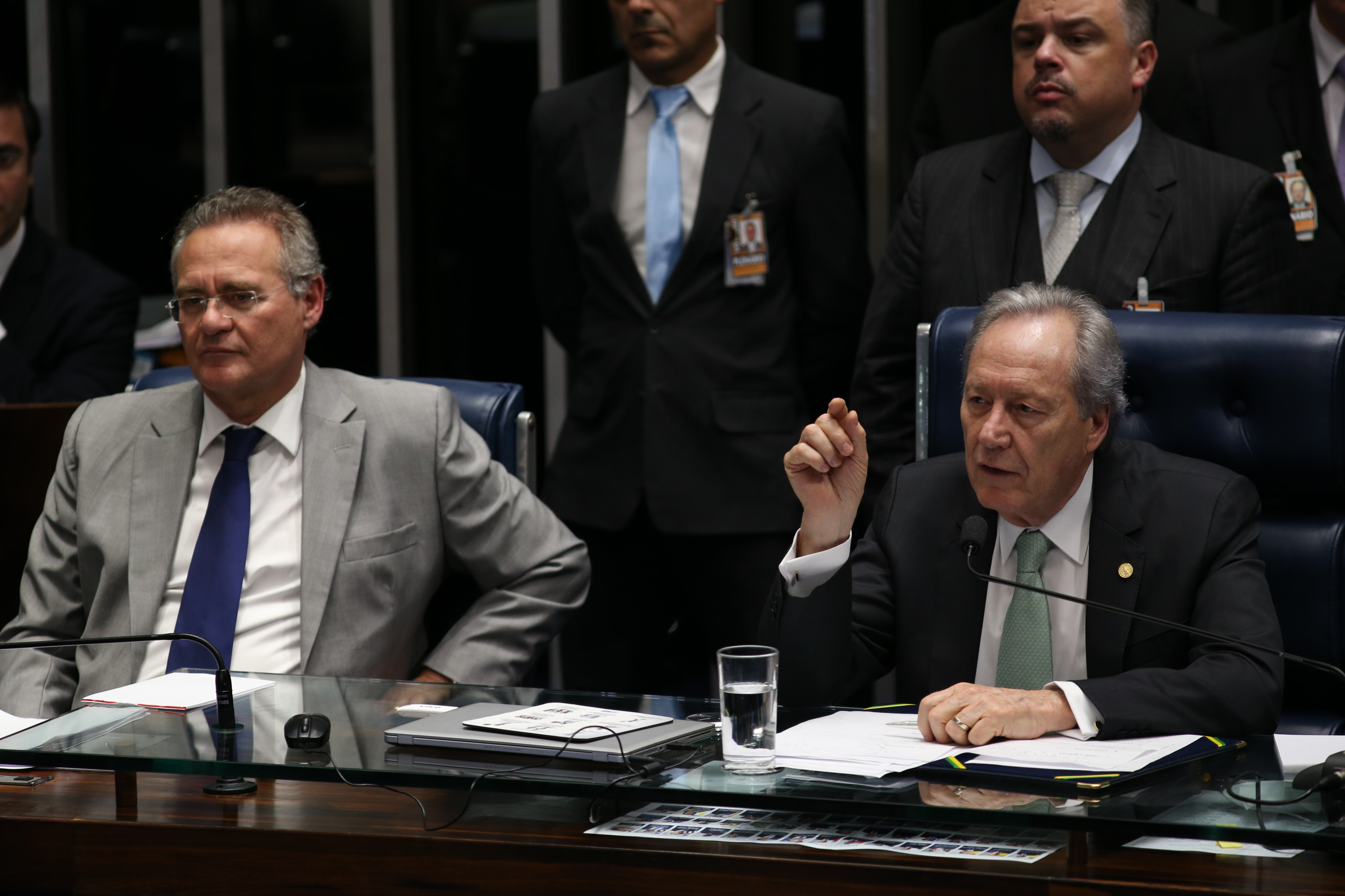 Brasília - Presidentes do Senado, Renan Calheiros, e do Supremo Tribunal Federal, Ricardo Lewandowski, durante depoimento do auditor fiscal do TCU, Antonio Carlos costa D'ávila (Fabio Rodrigues Pozzebom/Agência Brasil)