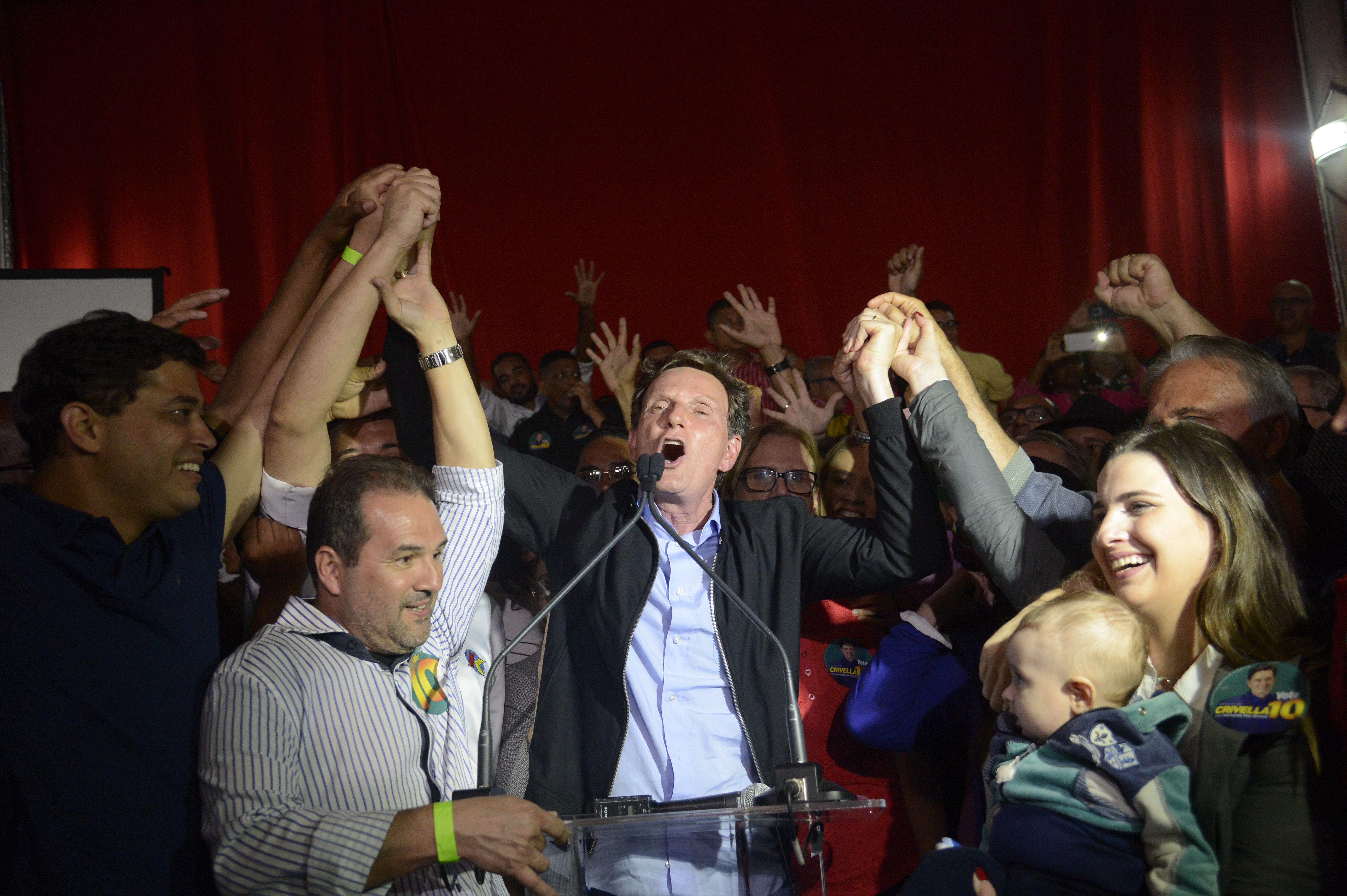 226cbf3e7c Rio de Janeiro - O senador Marcelo Crivella celebra