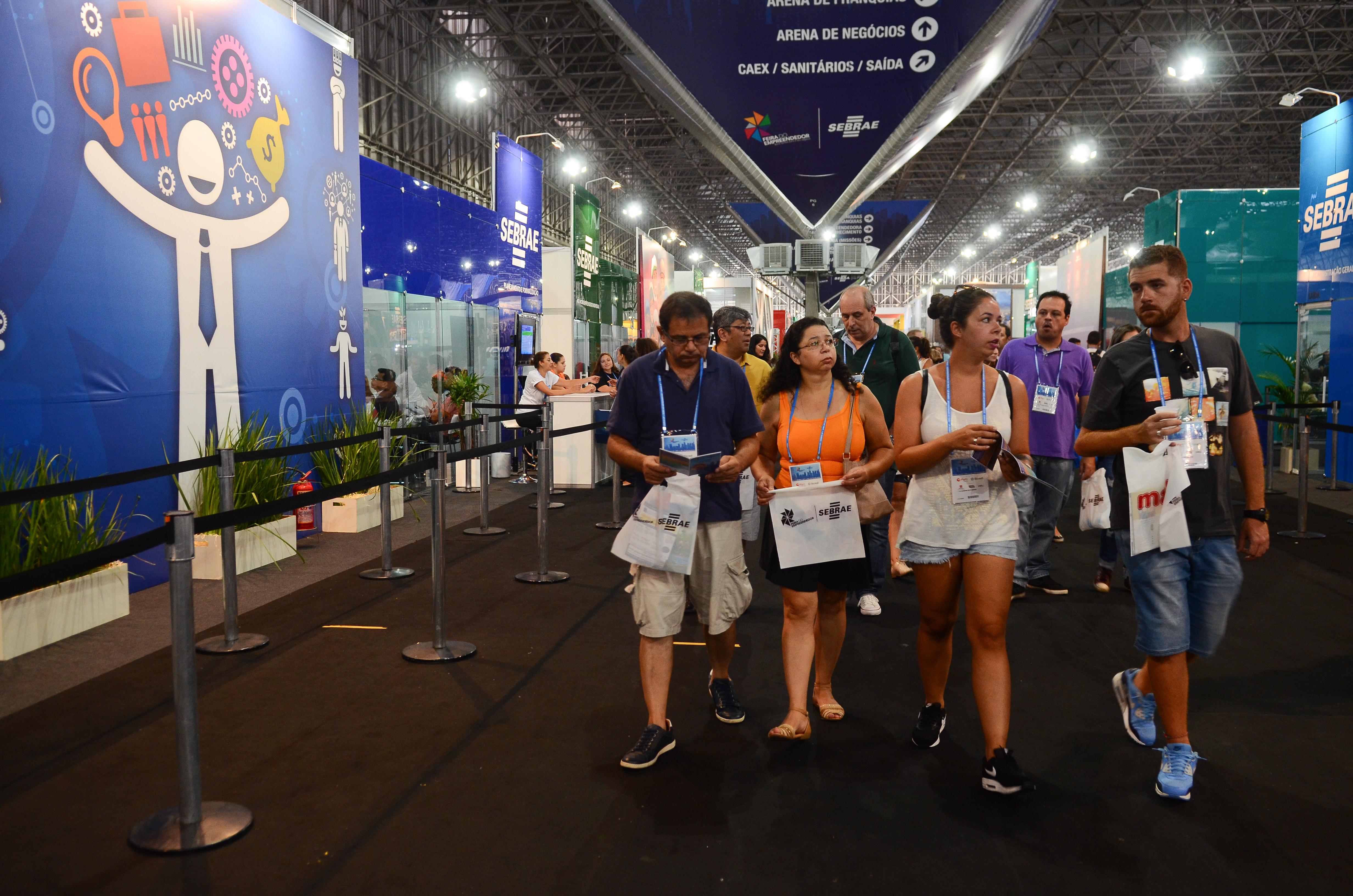 São Paulo - Visitantes participam da 6 edição da Feira do Empreendedor  promovido pela Sebrae- 3e37dbd91d6c4
