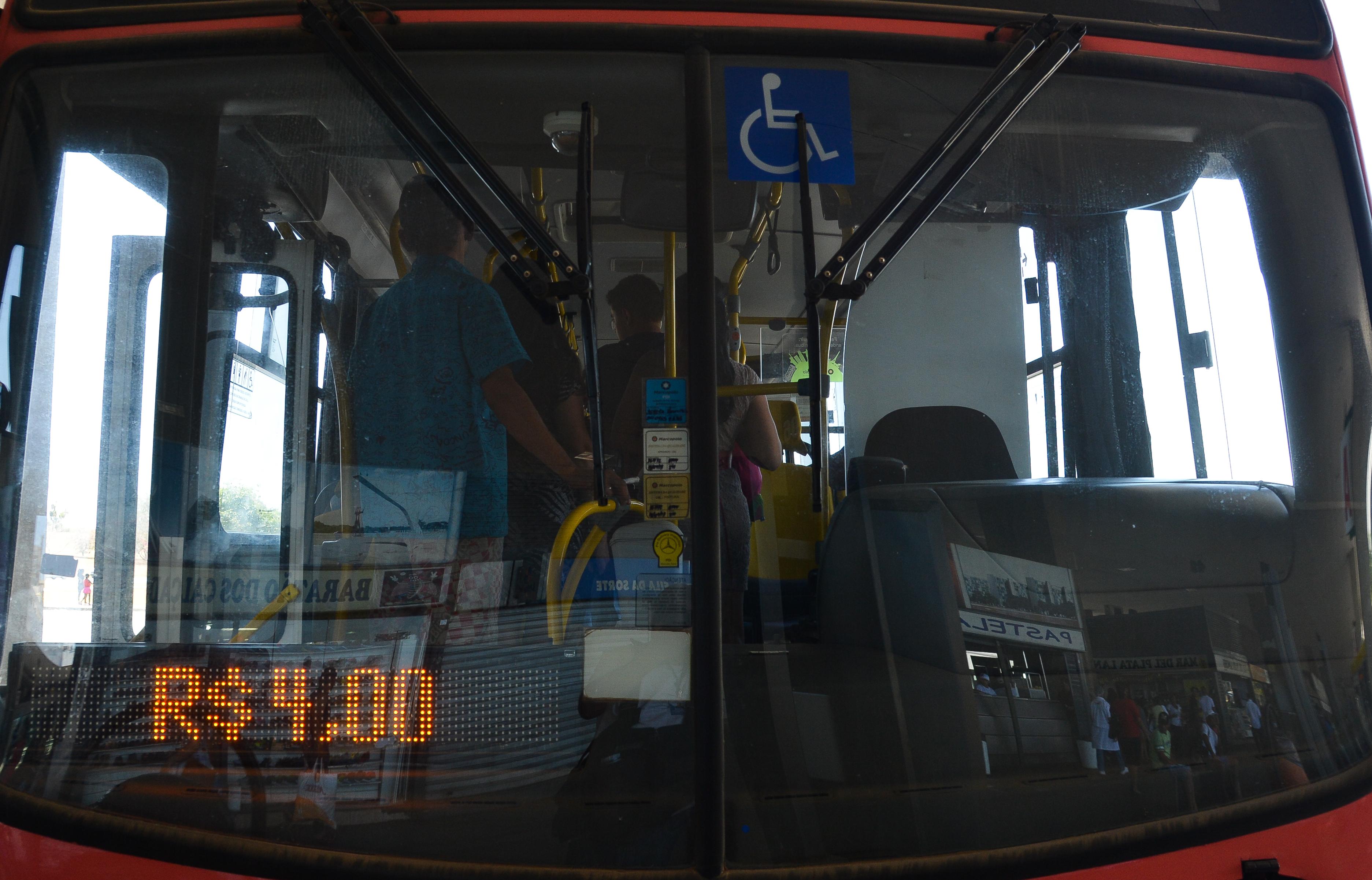 Reajuste das passagens de ônibus começa a valer em Brasília