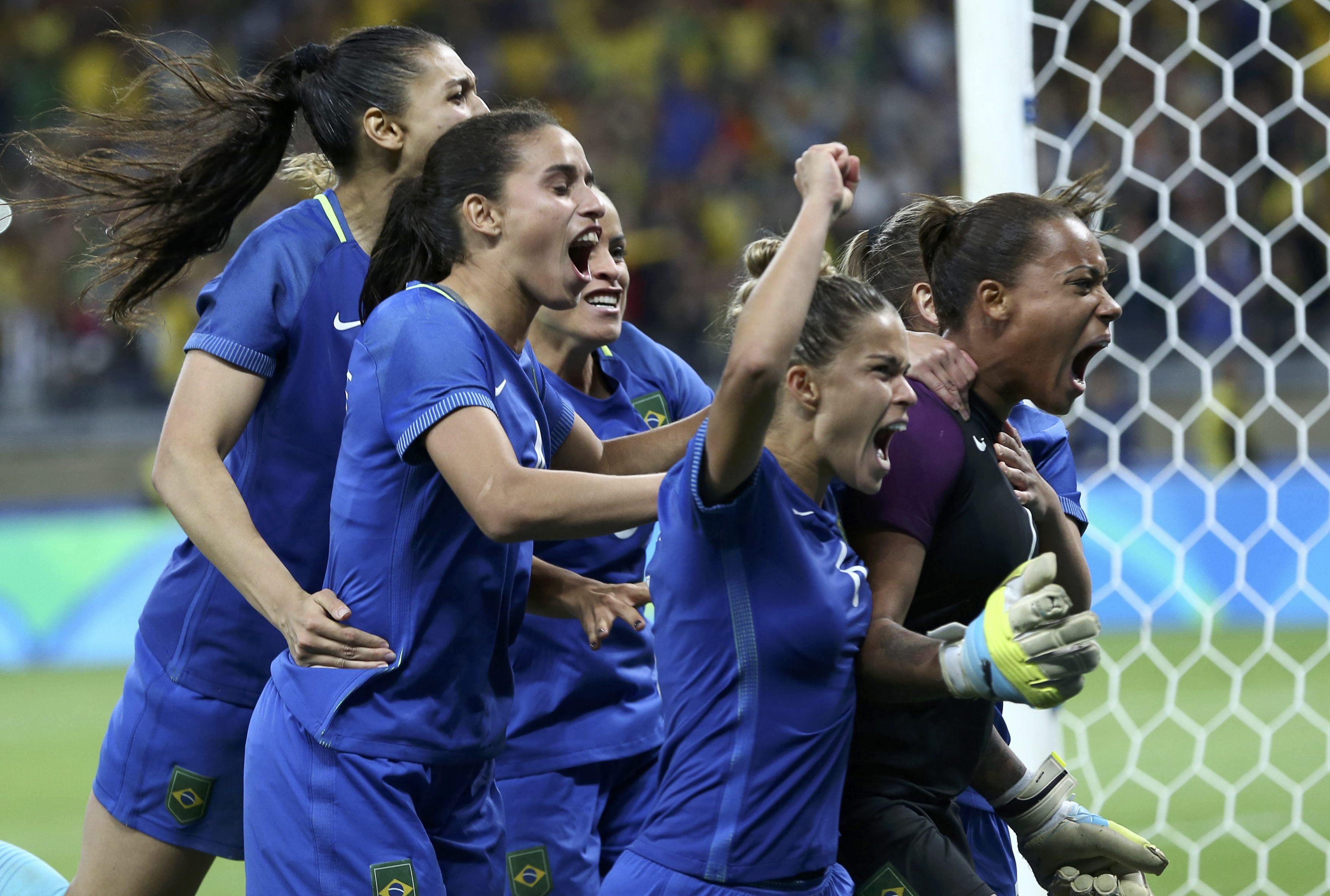 Brasil supera Austrália nos pênaltis e vai à semifinal do futebol feminino cd6d5182c294e