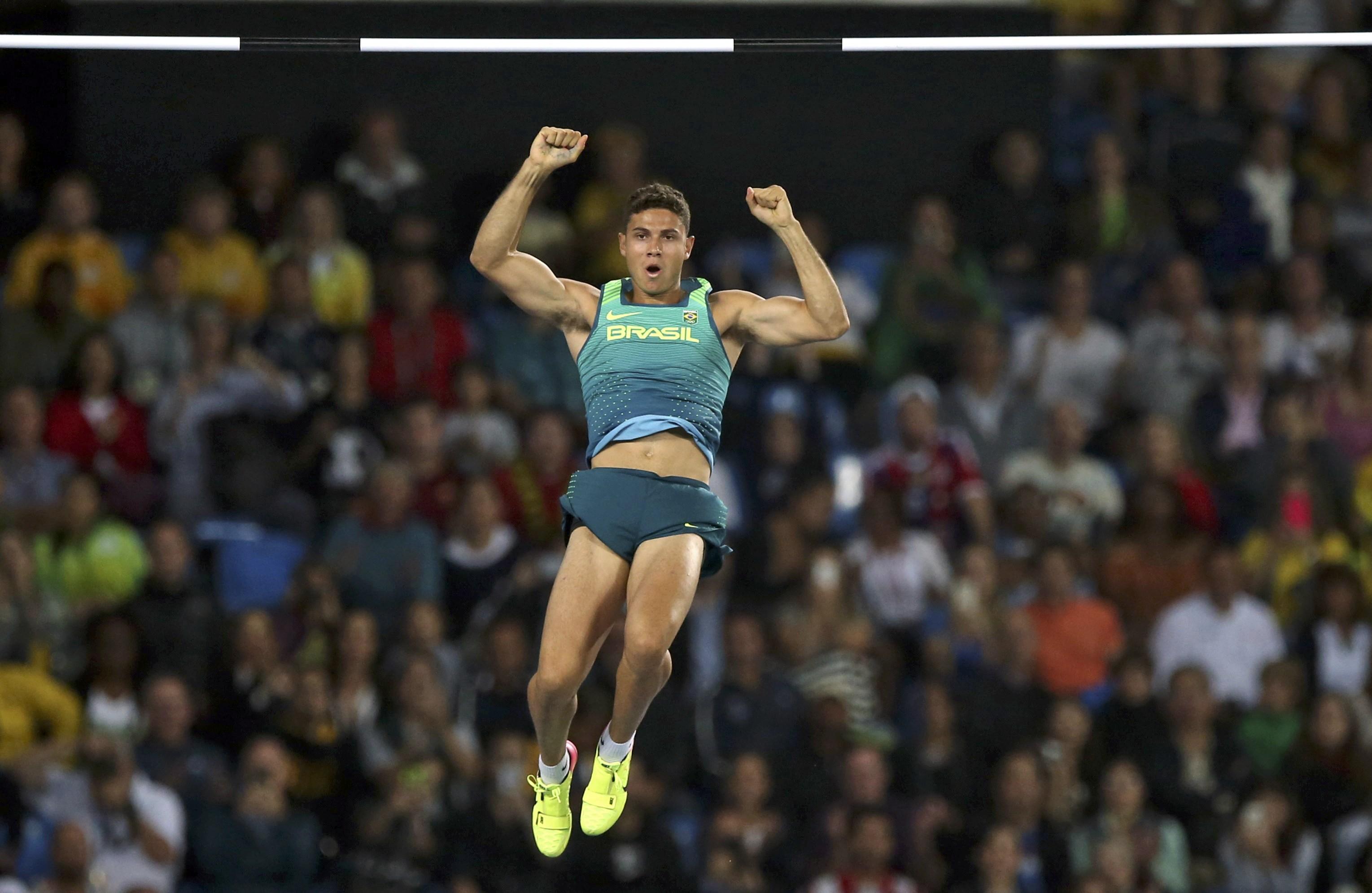 Thiago Silva conquista ouro e bate recorde olímpico no salto com vara 03bf8a69f81da