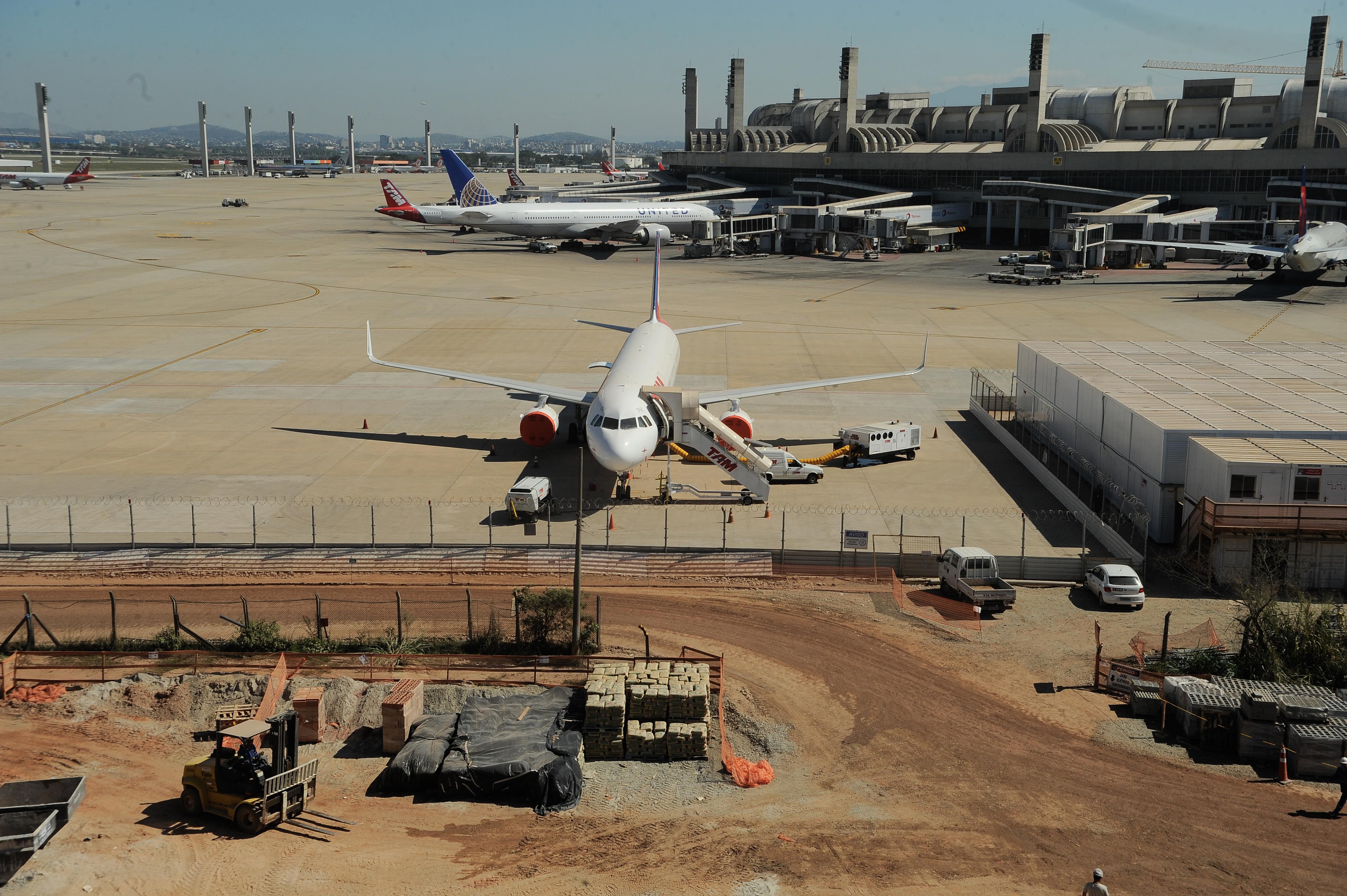 Aeroporto Do : Aeroporto da capital registra queda no movimento de voos e