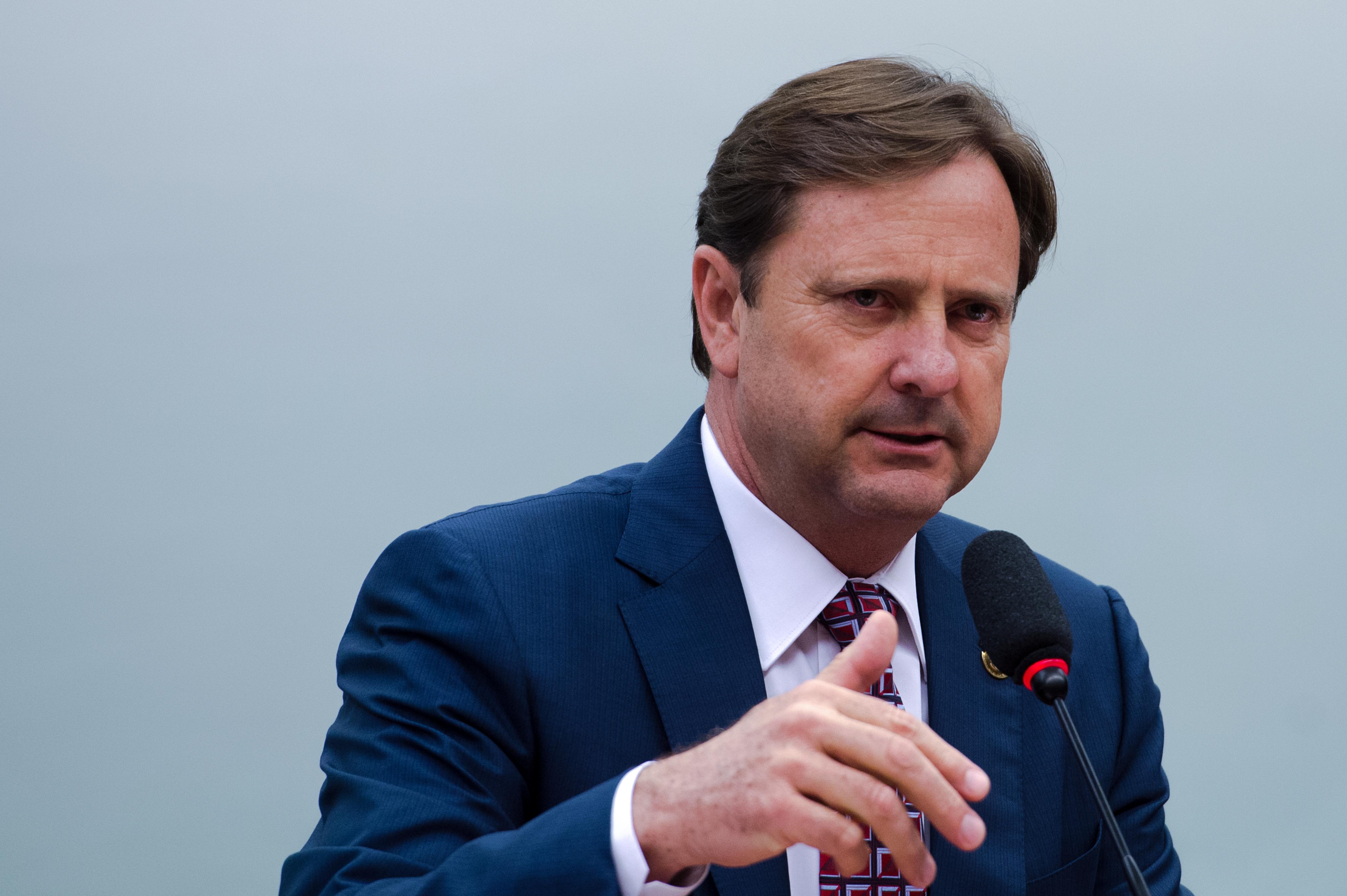 Brasilia O Relator Senador Acir Gurgacz Durante Entrega Seu Parecer Sobre Pedido Do