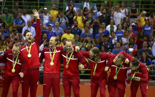 Seleção masculina da Dinamarca vence a França e ganha ouro no handebol e816c112dc119
