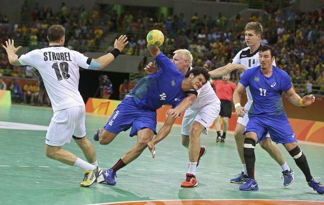 2636001791c50 Brasil vence primeiro do mundo e fica próximo das quartas de final ...