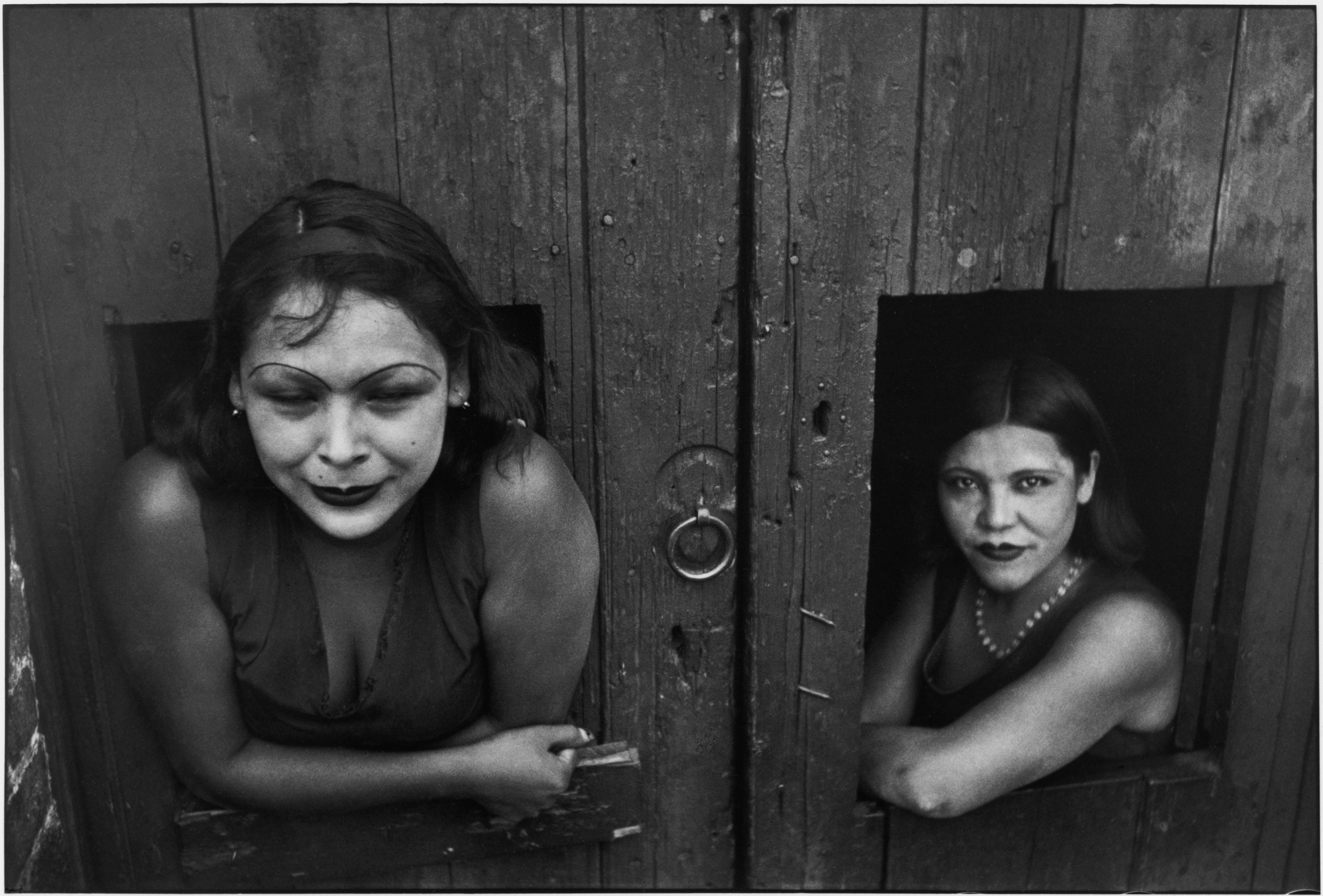 414b0e8fd1c MEXICO. Mexico City. Prostituées. Calle Cuauhtemoctzin. 1934. Exposição das  primeiras fotografias de Henri Cartier-Bresson está ...
