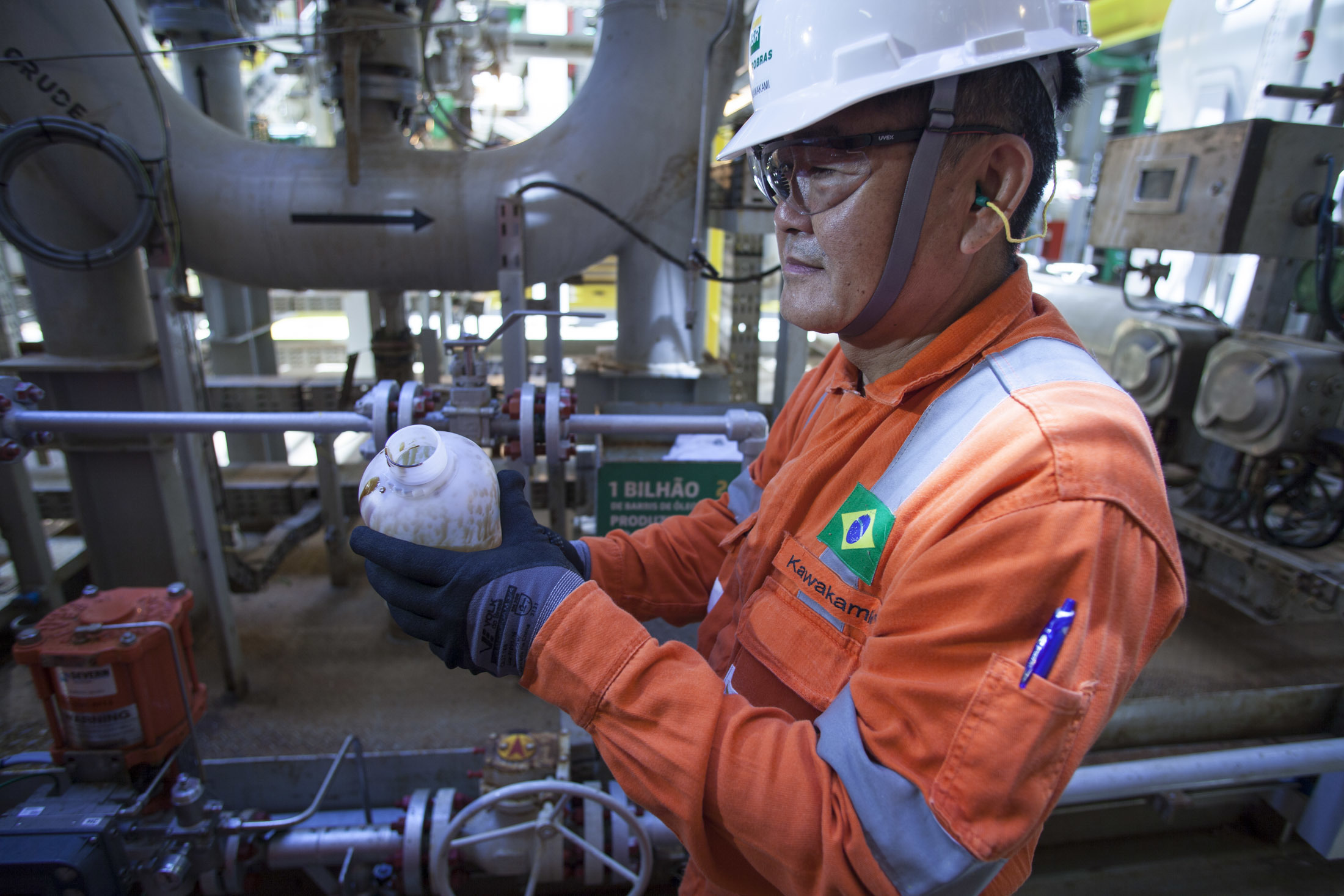 Resultado de imagem para Valorização das ações da Petrobras ultrapassa 7%