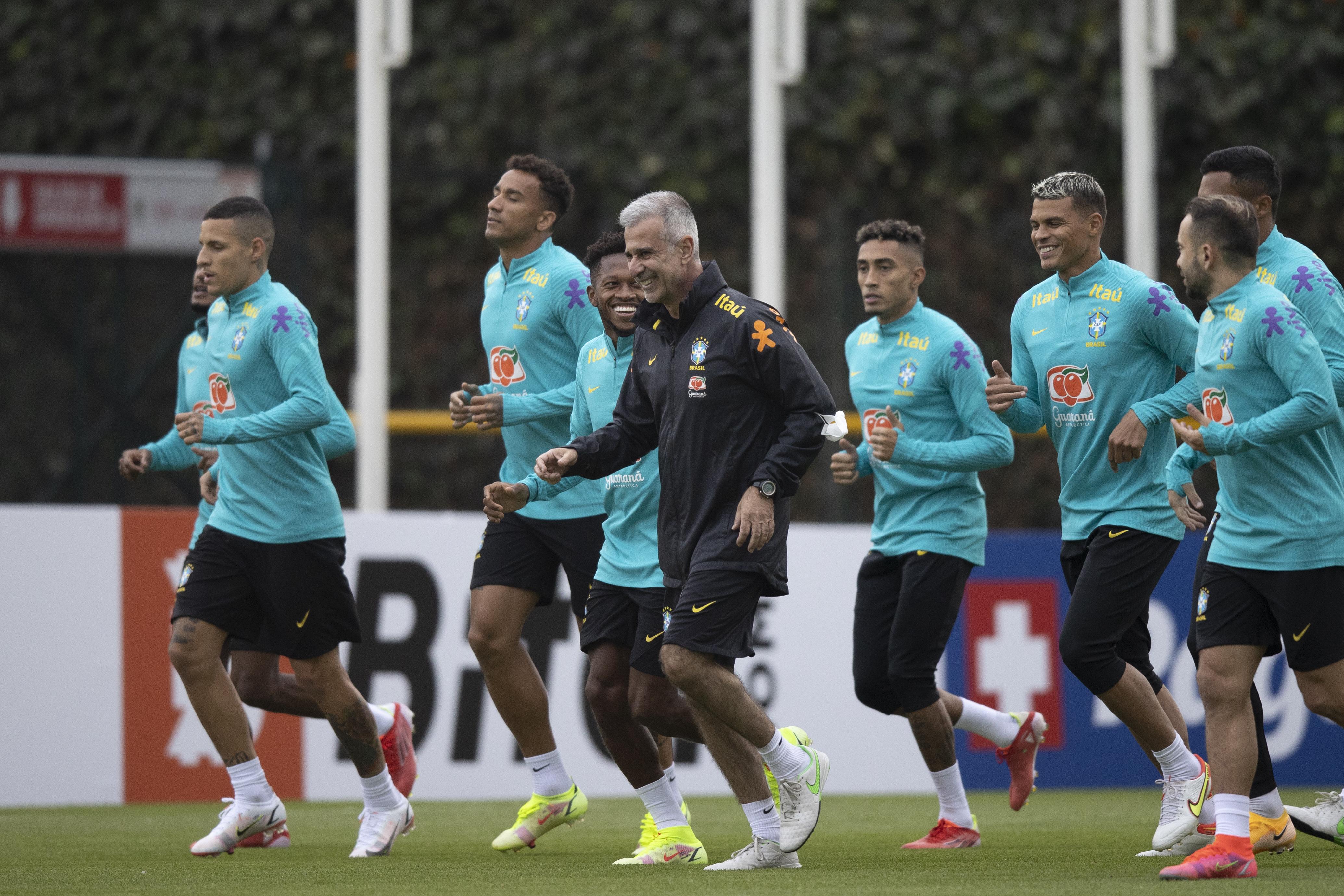 Eliminatórias: seleção realiza 2º treino para jogo contra Venezuela